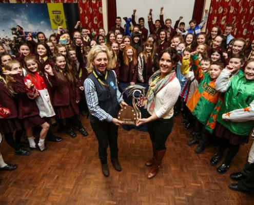 Carrie Ford (left) alongside Katie Walsh at a Racing to School Aintree Beacon event. Katie rides Baie Des Iles in the big race on Saturday. Source: liverpoolecho.co.uk